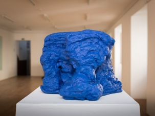 Blue sculpture, 2016 paint on cotoon 33,5 x 17 x 20,5 cm